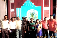 Durga-Navami-7-Enjoying-Leisure-time-in-the-pandal