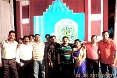 Durga-Navami-7-Enjoying-Leisure-time-in-the-pandal